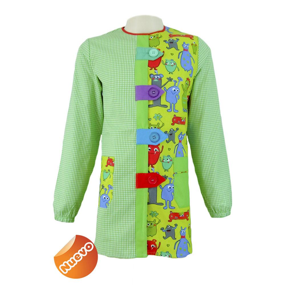 Bata educadora con trabillas con estampado cuadro verde pistacho con fondo